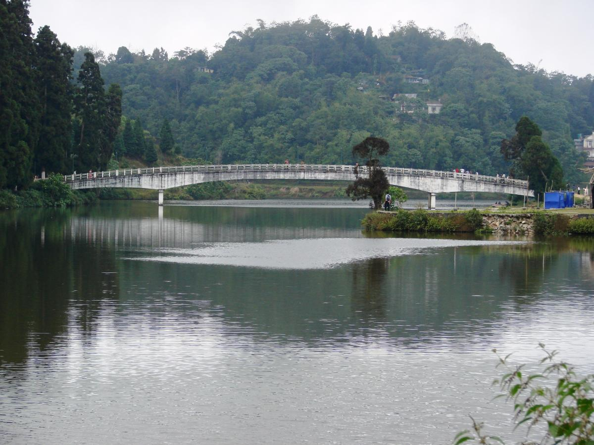 Darjeeling-hill tourist packages